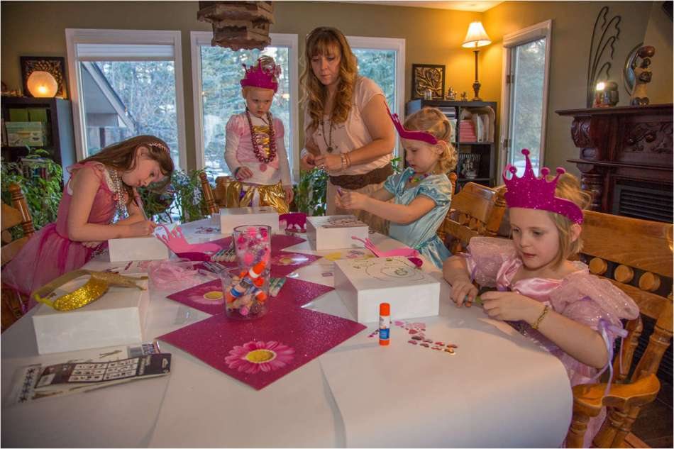 Princesses decorating - 2013 © Christopher Martin