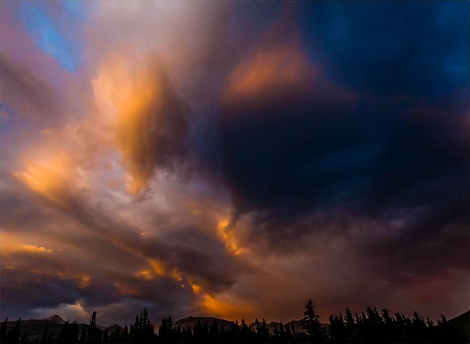 Night's march above Kananaskis - 2013 © Christopher Martin