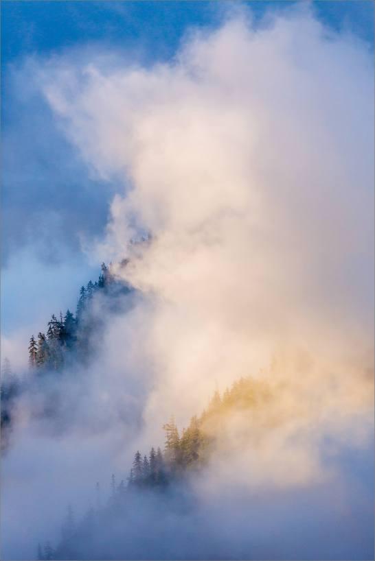 Lighting smoke - 2013 © Christopher Martin