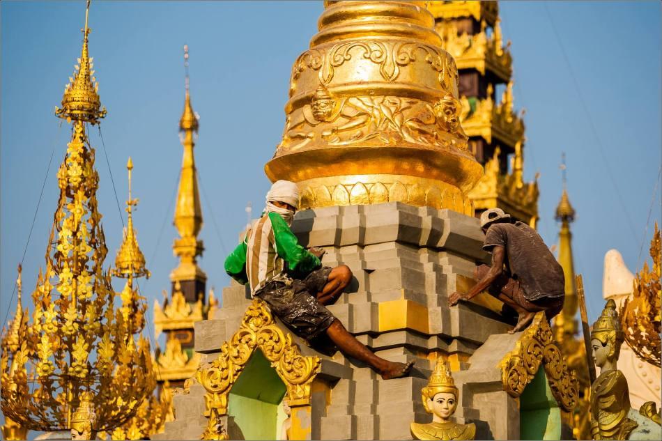 Gilding Shwe Dagon - © Christopher Martin-2895