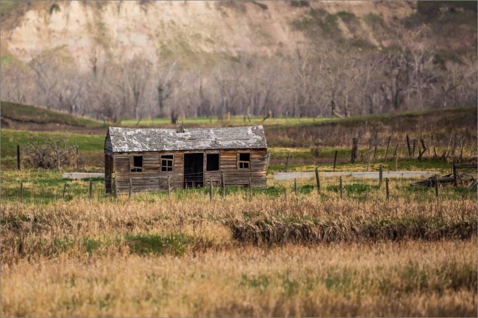 Forgotten on the prairie - 2014 © Christopher Martin