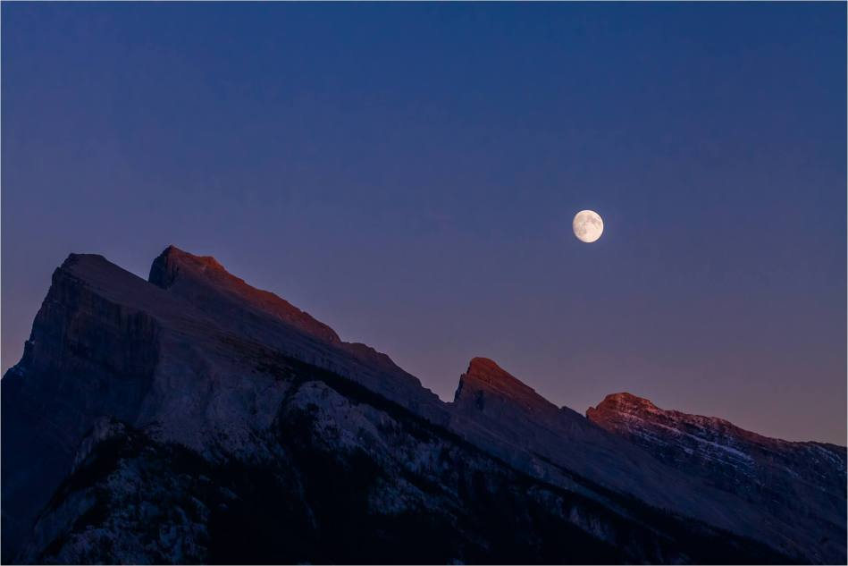 Moonrise over Rundle - © Christopher Martin-4643