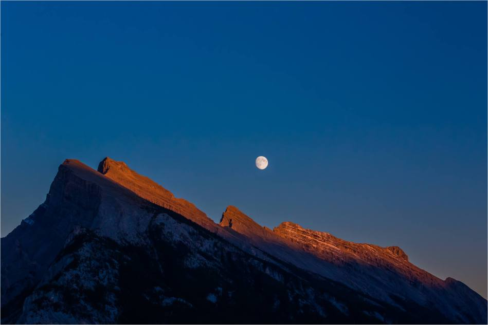 Mount Rundle Moonrise - © Christopher Martin-9590