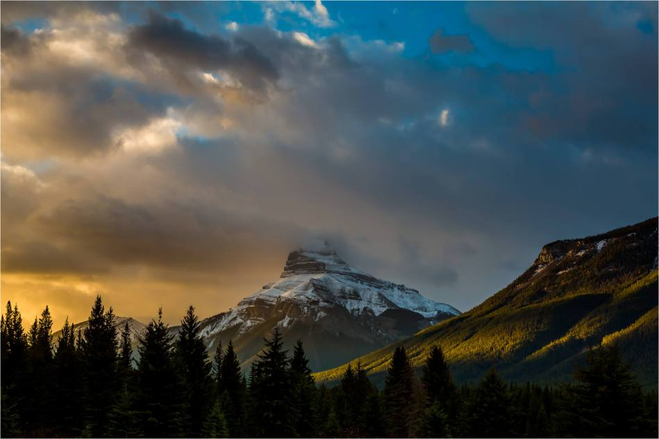 Pilot Mountain in the Banff National Park - © Christopher Martin-6030