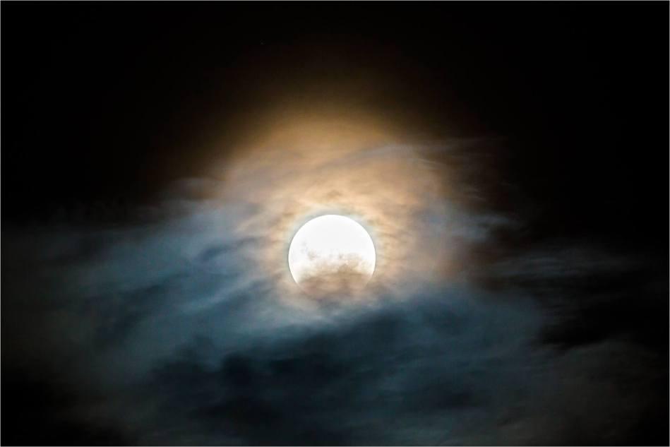 Moon haze - © Christopher Martin-4709