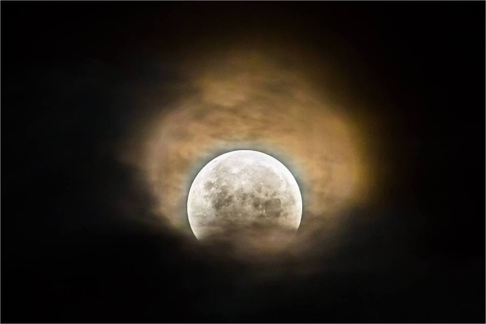 Cloud and eclipse - © Christopher Martin-4711