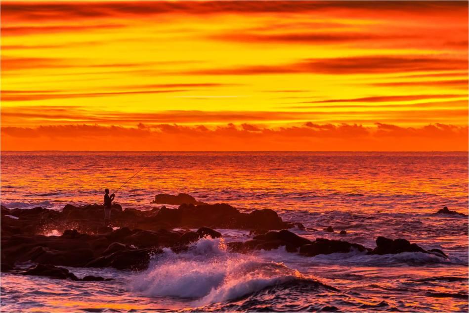 Shorebreak fishing - © Christopher Martin-9230