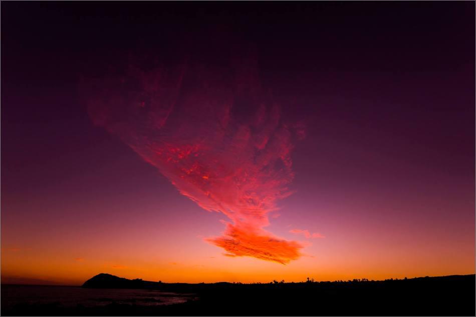 El Tule cloud comet, Los Cabos, Mexico