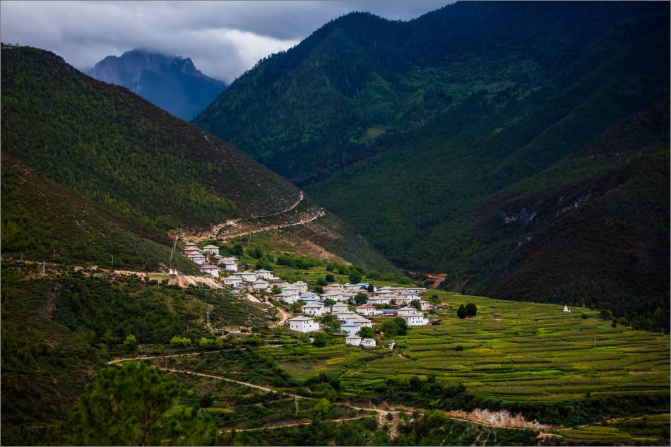 Shangri-La Countryside - © Christopher Martin-7110