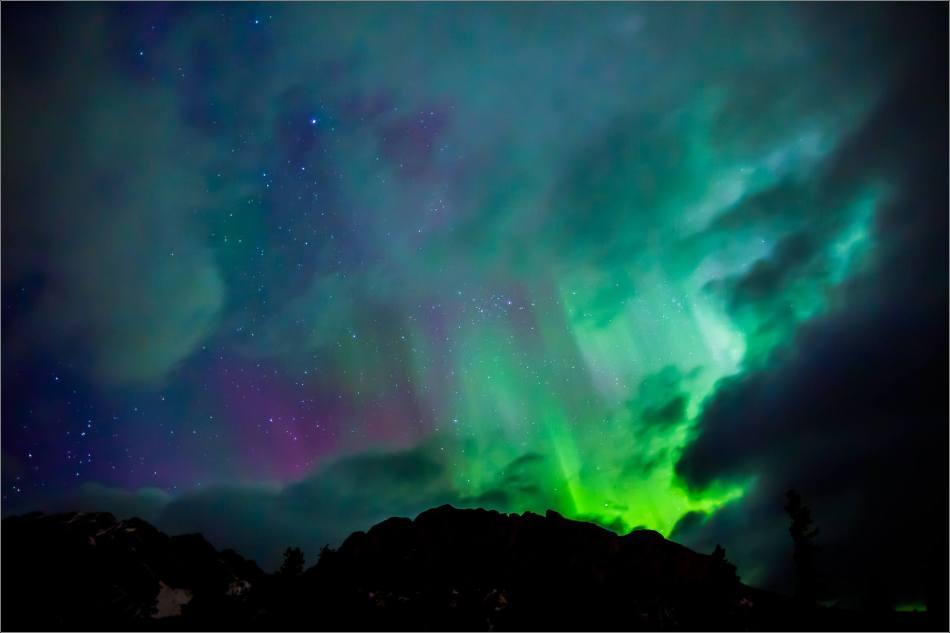 Aurora Borealis over Yamnuska - © Christopher Martin-7995