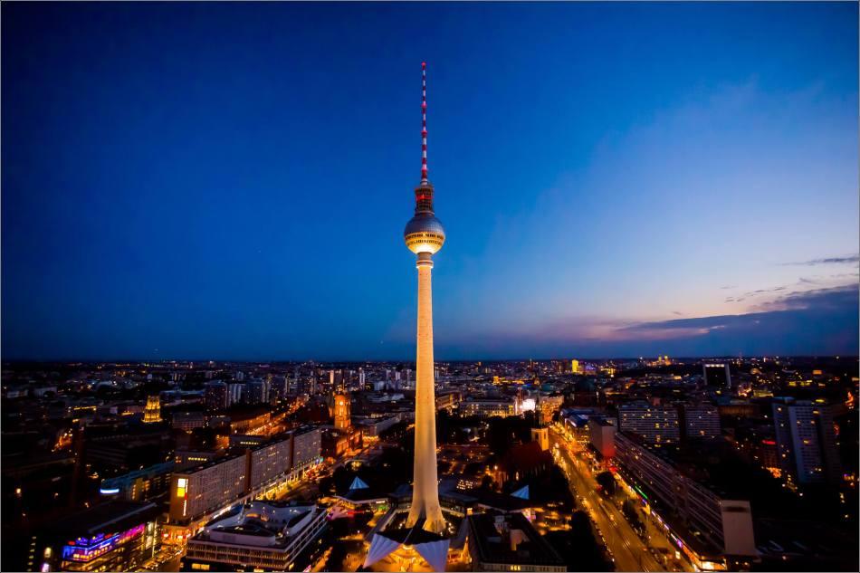 Fernsehturm de Berlín in der Nacht - © Christopher Martin-9510