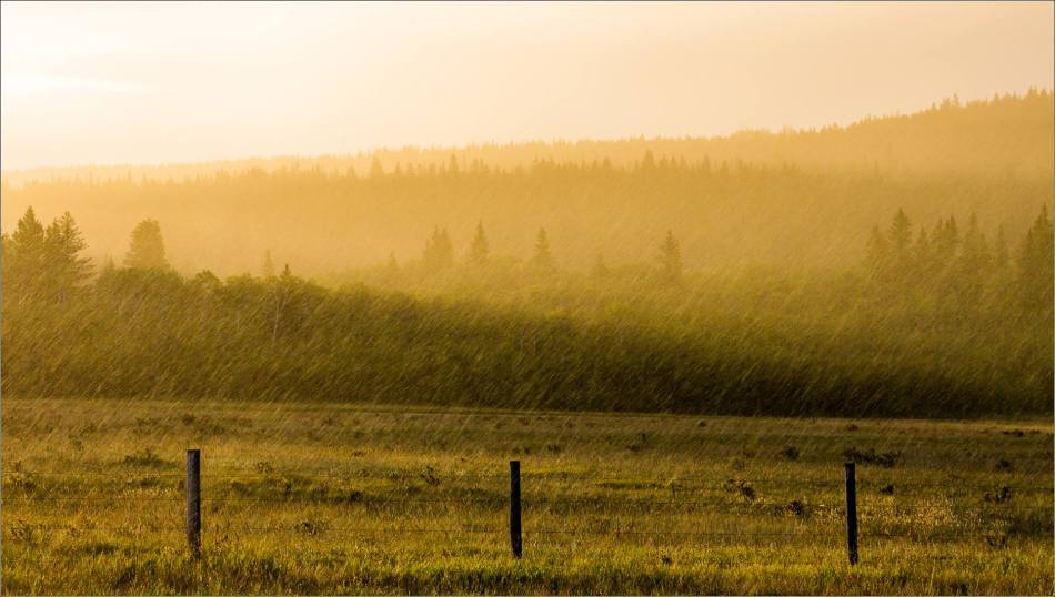 Sun and rain on the Stoney Nakoda Nation - © Christopher Martin-2778