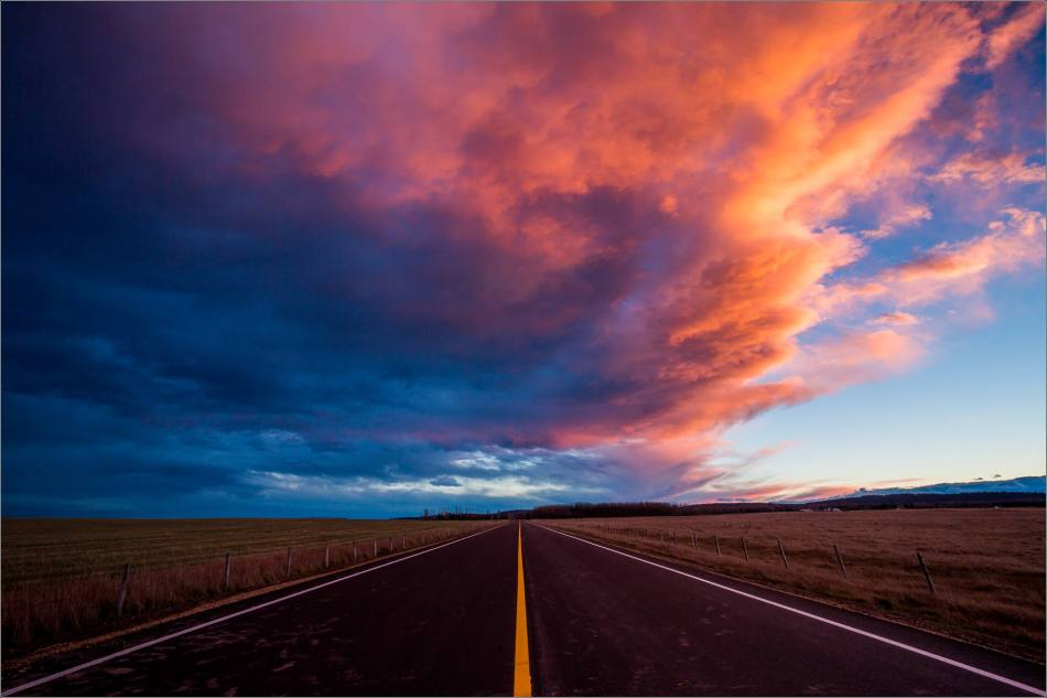 Sunset in the sky over Springbank © Christopher Martin-0767